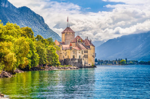 Chateau-de-Chillon_©-minnystock-Dreamstime