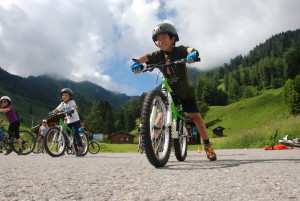 Red Group; Camp Suisse Session 1 2016; mountain biking skills